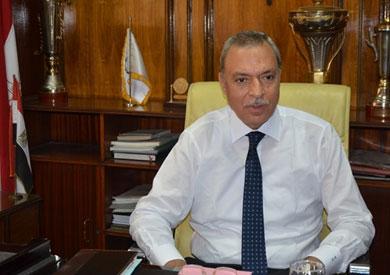 محافظ قنا يحيل 36 موظفا بـ«نقادة» للتحقيق لتغيبهم عن العمل