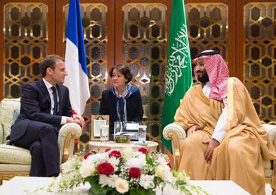 ولي العهد السعودي والرئيس الفرنسي إيمانويل ماكرون