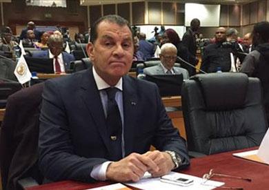 حاتم باشات رئيس لجنة الشؤون الإفريقية بمجلس النواب