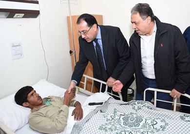 وزير الصحة والقائم بأعمال رئيس الوزراء يتفقدان المصابين