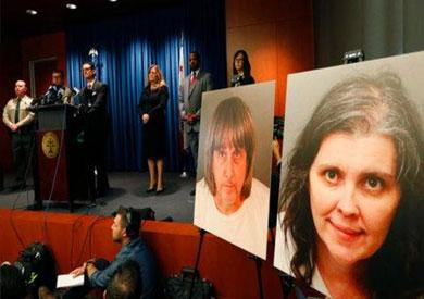 النائب العام مايك هسترين خلال مؤتمر صحفي بشأن الزوجين المتهمين