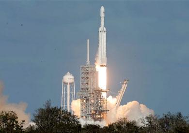 إطلاق صاروخ «فالكون هيفي»