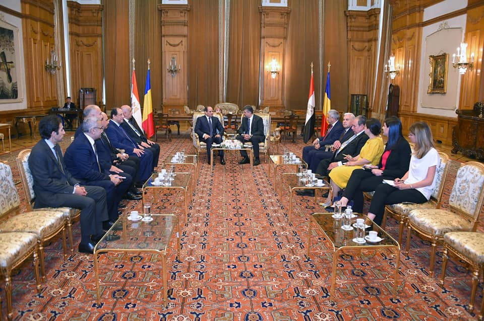 السيسي يلتقي رئيس مجلس الشيوخ الروماني ويؤكد تعزيز التعاون بين البلدين