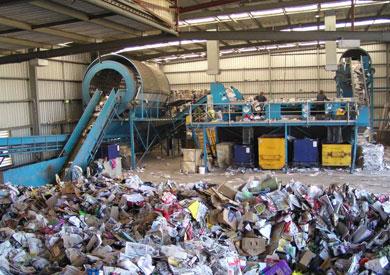 «البيئة»: إعداد خطط بكل محافظة للتخلص من القمامة