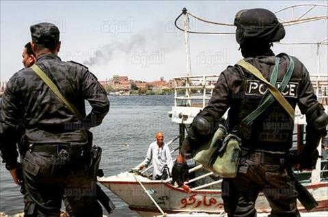 قوات الأمن خلال تنفيذ حملة إزالة مباني مخالفة بجزيرة الوراق - تصوير: إبراهيم عزت