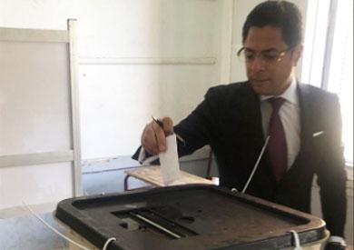 خالد أبو بكر يدلي بصوته في الاستفتاء: المشاركة واجب وطني