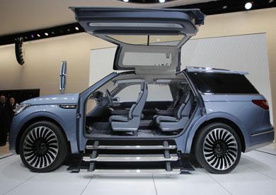 «لينكولن» تعرض سيارتها الجديدة «نافيجيتور» في معرض نيويورك