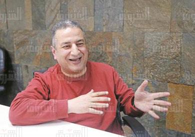 الكاتب محمود عبده  تصوير أحمد عبد الجواد