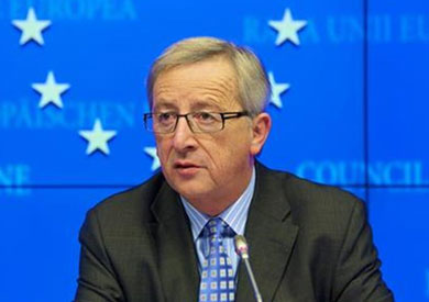 رئيس المفوضية الأوروبية يهنئ «ماكرون» برئاسة فرنسا