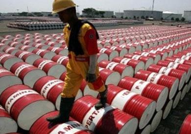 إيران ترى أن سعر 55 دولارًا لبرميل النفط مناسب وتدعم تمديد خفض الإنتاج