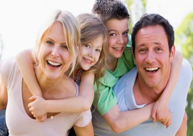 خبيرة علاقات أسرية: يجب مشاركة الأطفال بحقيقة المشاعر سواء «سعيدة أو حزينة»