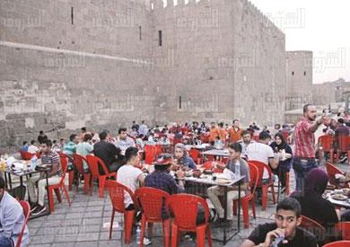 فطار رمضان امام باب الفتوح تصوير احمد عبد الفتاح