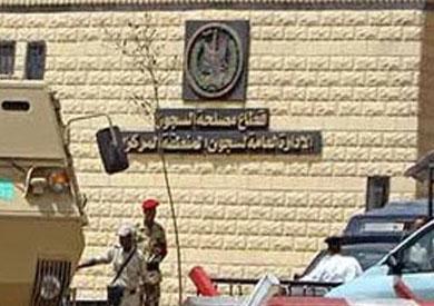 «السجون» تنتظر قرار المحكمة للإفراج عن الصحفيين صلاح وسبيع