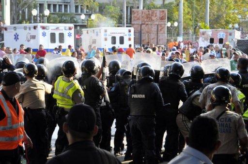 مظاهرات في فنزويلا تطالب باستقالة رئيس البلاد