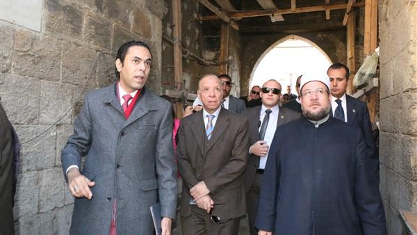محافظ القاهرة ووزير الأوقاف يفتتحان مسجد الأسمرات بتكلفة 10 ملايين جنيه