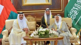 أمير قطر يرأس وفد بلاده في القمة<br/>