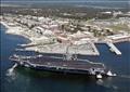 قاعدة بنساكولا الجوية البحرية بولاية فلوريدا