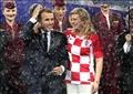 رئيسة كرواتيا مع الرئيس الفرنسي فور فوز منتخب بلاده