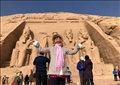 الفنانة العالمية الأمريكية باربرا بوشيه، في معبد أبو سمبل