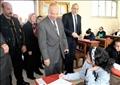 محافظ القاهرة يتفقد امتحانات الترم الأول للشهادة الإعدادية