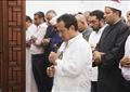 الفنان محمد ثروت يقيم صلاة الجنازة على جثمان والدته