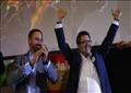 زعيم الحزب سانتياغو أبسكال مع المرشح فرانسيسكو سيرانو يحتفلان بالفوز