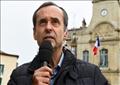 يعد مينار، المنتقد بشدة للهجرة، سياسيا مستقلا يحظى بدعم من حزب الجبهة الوطنية
