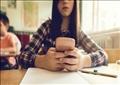 هناك قلق من أن الكثير من الأطفال الصغار مستخدمون نهمون للهواتف المحمولة