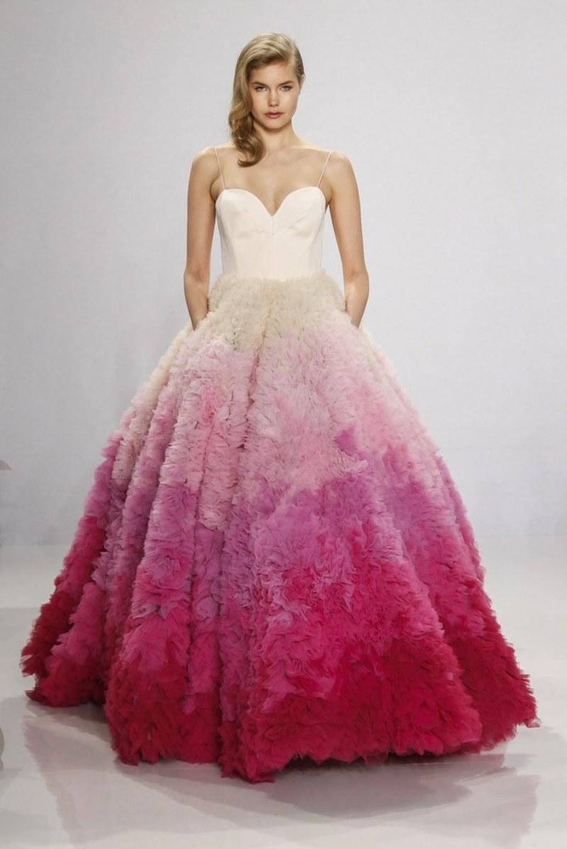 438cf545c4bbf أجمل 15 فستان زفاف من أسبوع العروس في نيويورك لصيف 2017 - بوابة الشروق
