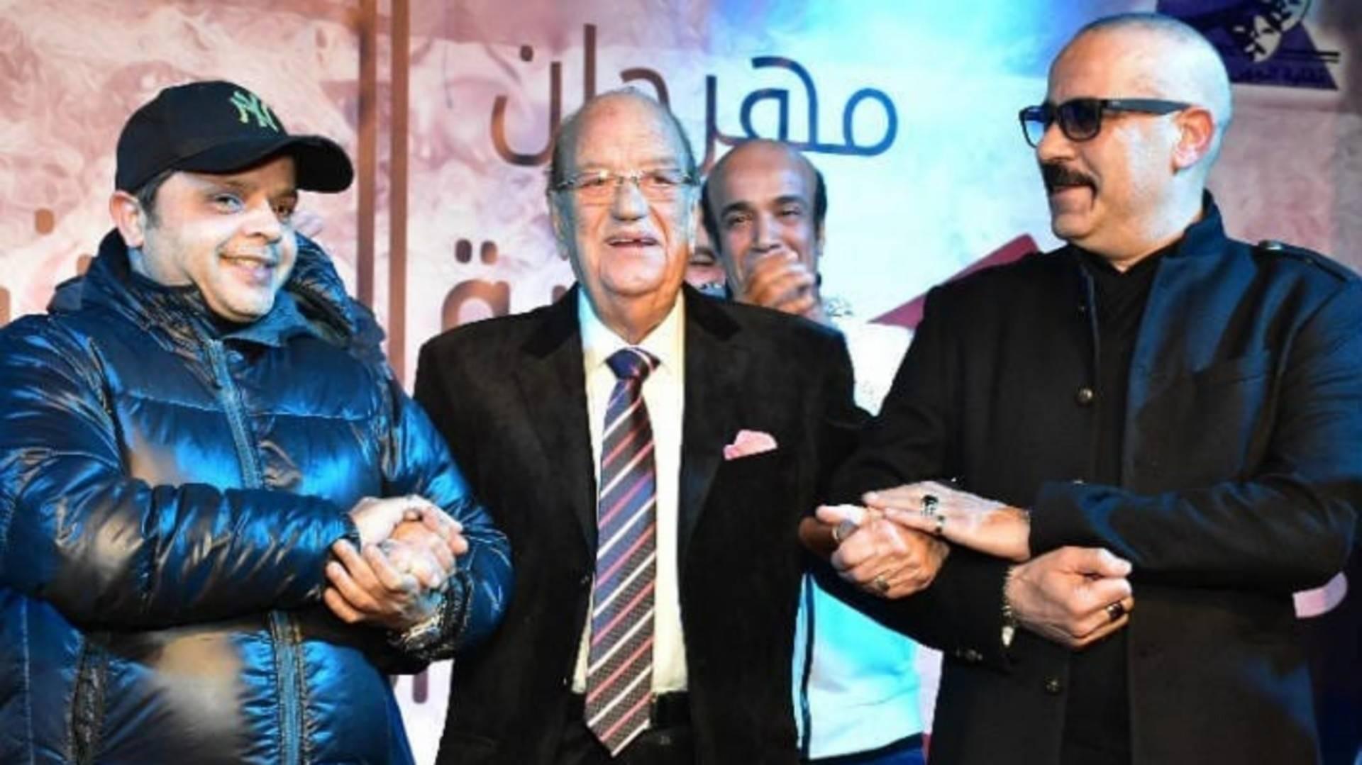 محمد هنيدي ومحمد سعد يكرمان حسن حسني في ديسمبر 2019 بمهرجان نقابة الممثلين