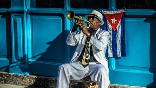 نجوم الموسيقى يحتفلون باليوم العالمي للجاز في هافانا