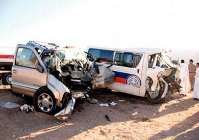مصرع وإصابة 11 في حادث تصادم بالبحيرة