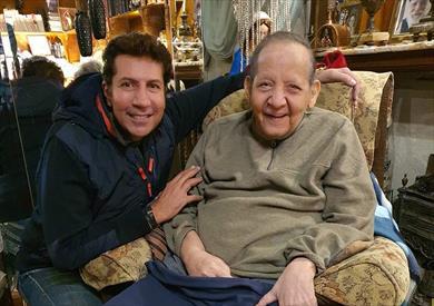 هاني رمزي مع الفنان الراحل جورج سيدهم