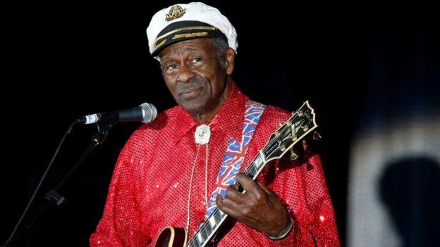توفي تشاك بيري نجم موسيقى الروك اند رول عن عمر يناهز 90 عاما، حسبما أعلنت الشرطة في ولاية ميزوري الأمريكية.