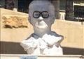 تمثال يوسف شاهين