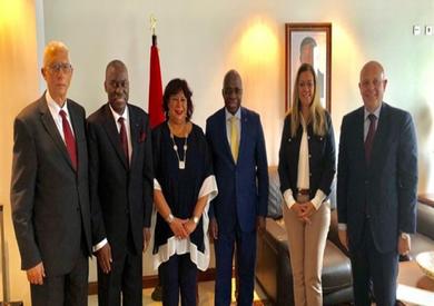 وزيرة الثقافة تصل إلى أنجولا