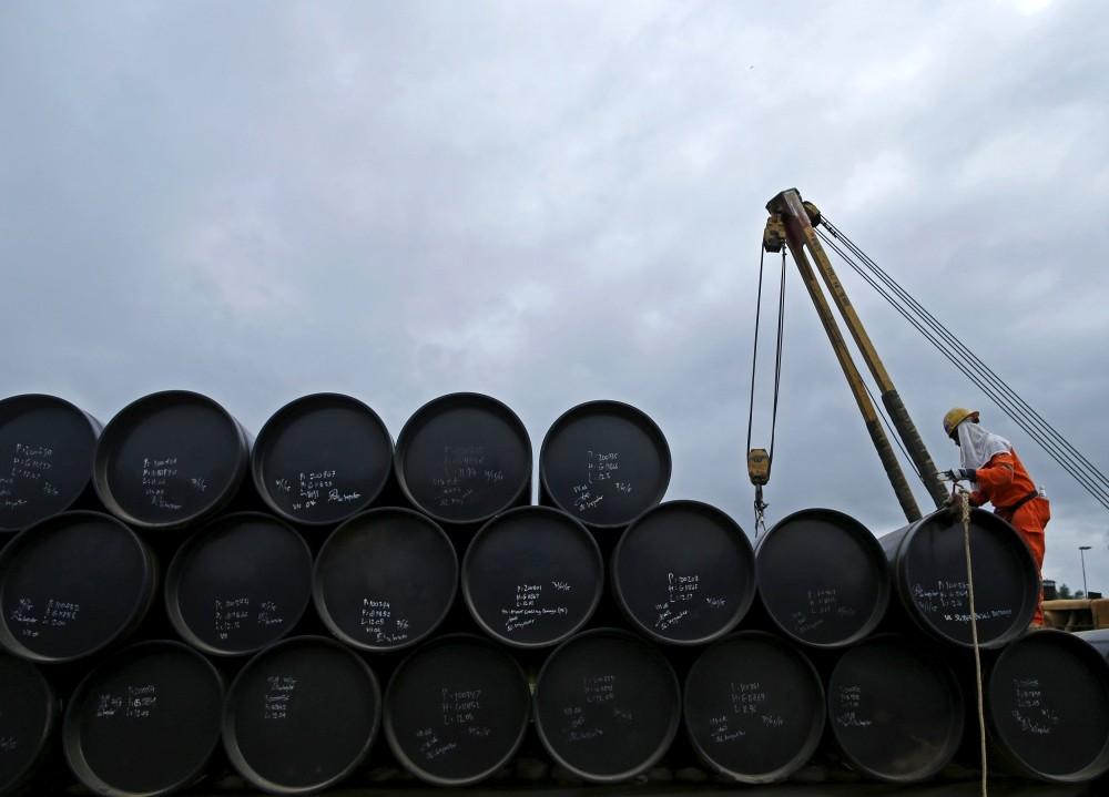 أسعار النفط في آسيا تسجل تقلبات طفيفة في الأسعار بعد عطلة عيد الميلاد