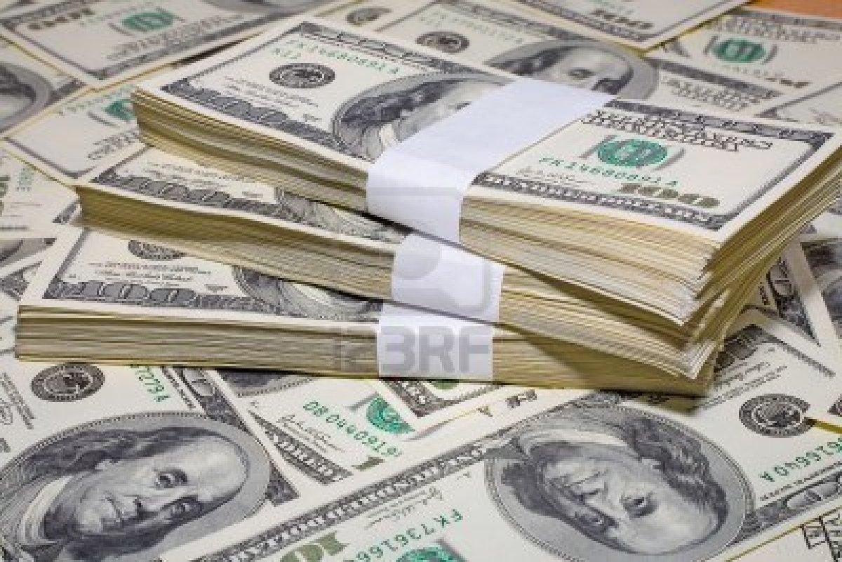 الدولار يرتفع في 6 بنوك خاصة ويقترب من 19 جنيها