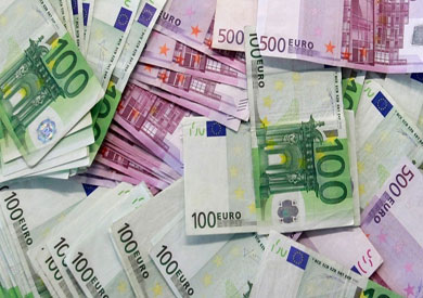 الإسترليني واليورو ينخفضان مقابل الجنيه المصري