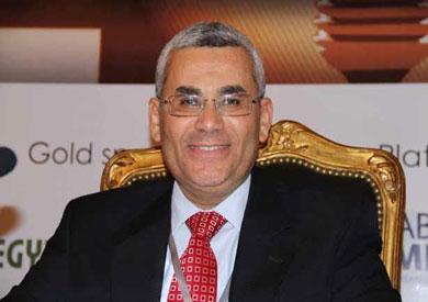 ابو بكر إبراهيم رئيس شركة جنوب الوادي القابضة للبترول