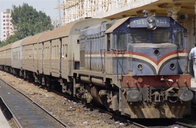 السيطرة على حريق شب في قطار «نجع حمادي - الأقصر»