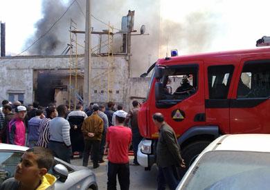 السيطرة على حريق في 11 منزلًا ومخزنين للأسمدة والحلويات في سوهاج