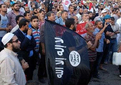 إخوان ترفع رايات «القاعدة»
