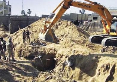 القوات المسلحة تدمر أنفاق على الحدود مع غزة