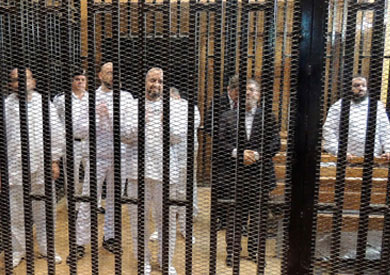 تأجيل محاكمة مرسي في «التخابر» لـ20 سبتمبر.. والقاضي يأمر بفحص المتهمين صحيا -
