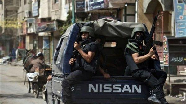 ضبط 42 محكوما عليهم وفلسطينيين انتهت إقامتهما خلال حملات في شمال سيناء