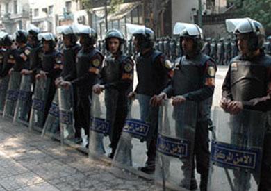 قوات الأمن تتحفظ على 3 منتقبات بطنطا يوجهن الناخبين لانتخاب مرشح
