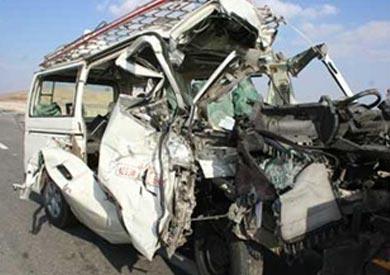 إصابة 6 أشخاص في انقلاب ميكروباص على الطريق الدولي بجنوب سيناء