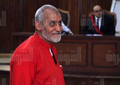 تأجيل إعادة محاكمة «بديع» و14 آخرين في «أحداث البحر الأعظم» لـ14 ديسمبر