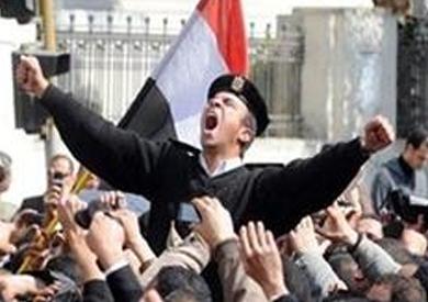 حيثيات حبس 17 أمين شرطة بتهمة «التجمهر»: كان عليهم ألا يسلكوا مسلك المجرمين